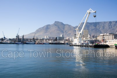 devil's peak,cranes,table bay harbour,v&a watefront