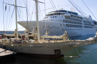 Silver Wind moored at Table Bay Harbour [1001235692]