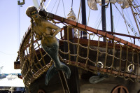 Jolly Roger pirate ship's figurehead [1001235809]