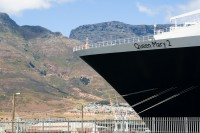 Queen Mary 2 in Table Bay harbour [1102051248]