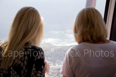 city,signal hill,people,woman,cableway,table bay