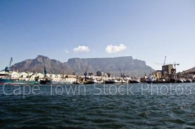 v&a waterfront,boat,table mountain