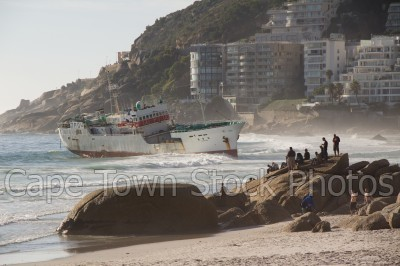 boat,beach,people,clifton