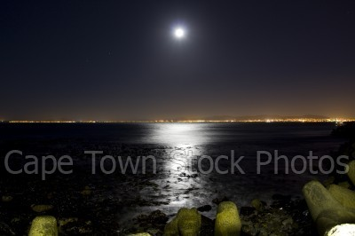 table bay,moon,night
