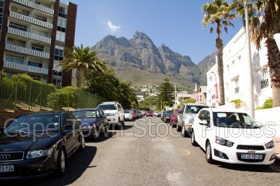 table mountain,camps bay,cars,street