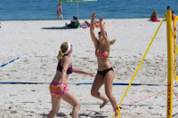 Woman's volleyball on Camps Bay beach [1503148897]
