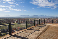 Viewing Deck at Lookout Hill in Khayelitsha [1506060227]