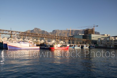 v&a waterfront,harbour,fishing boat,table mountain,table bay