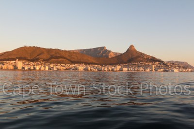 signal hill,sunset,lions head,table mountain,table bay,sea point,boats,cruises